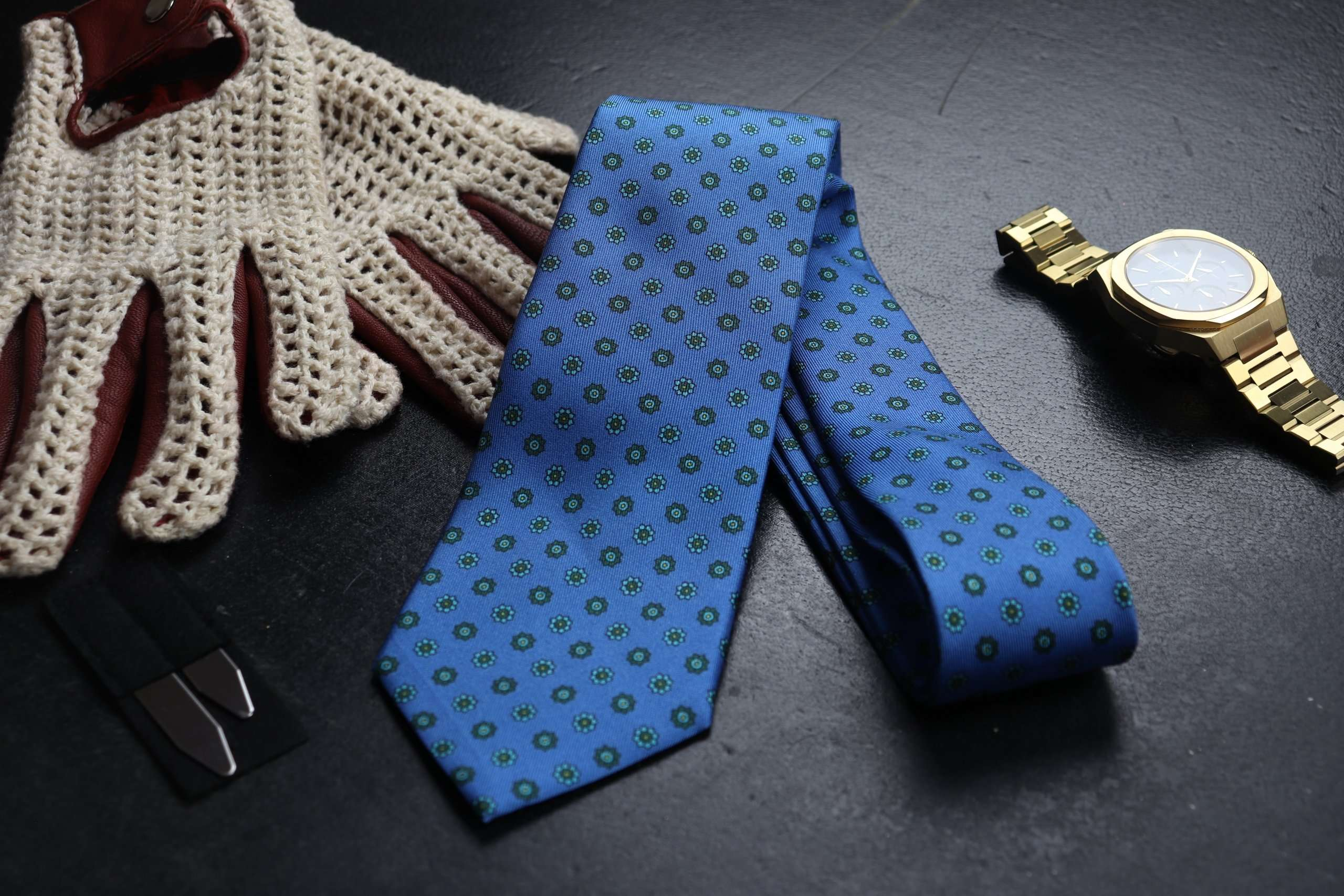 Luxury Silk Italian Tie - Blue & Green Medallion