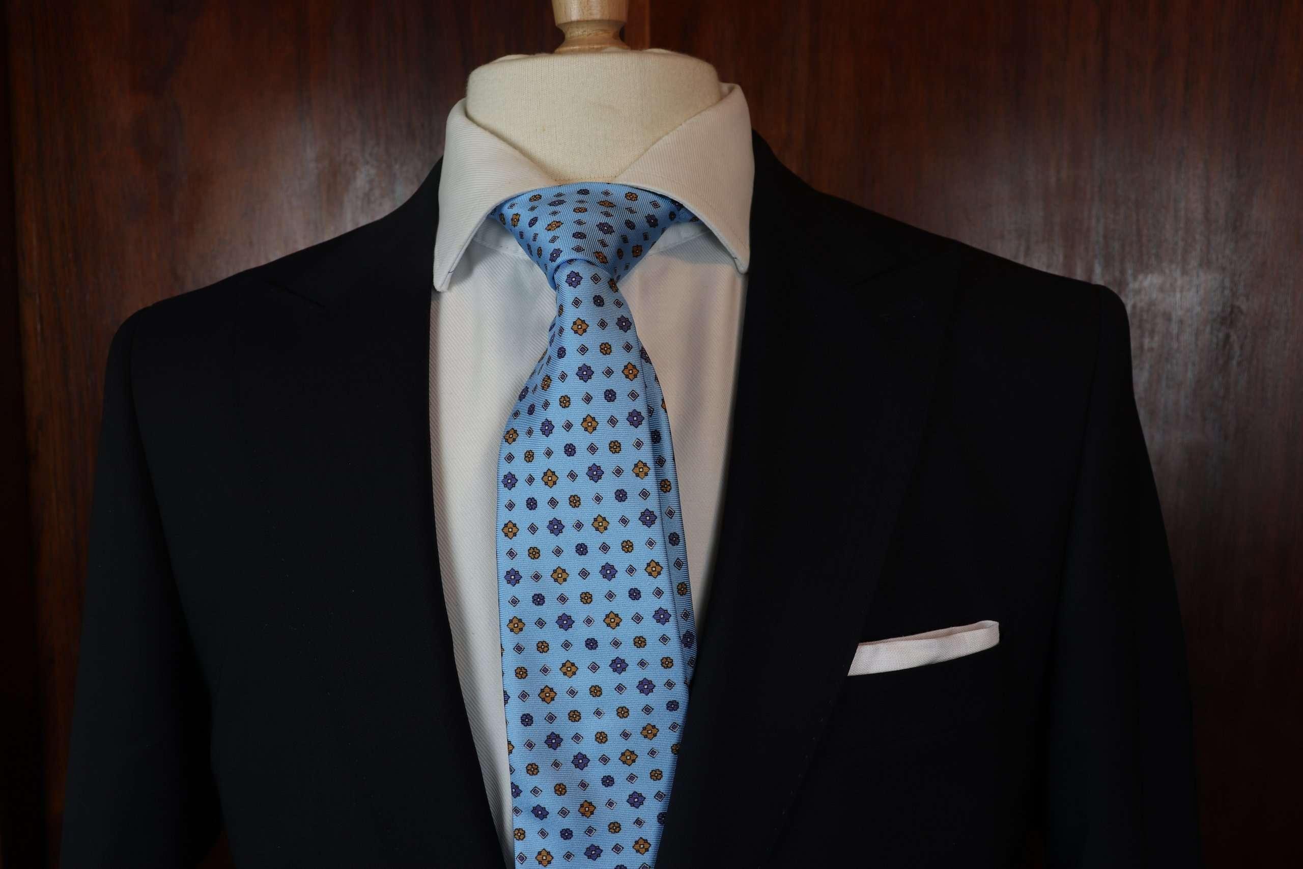 Luxury Silk Italian Tie - Baby Blue Silk Medallion